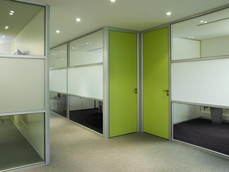 Montage de cloison amovible et modulable pour vos bureaux à paris idf
