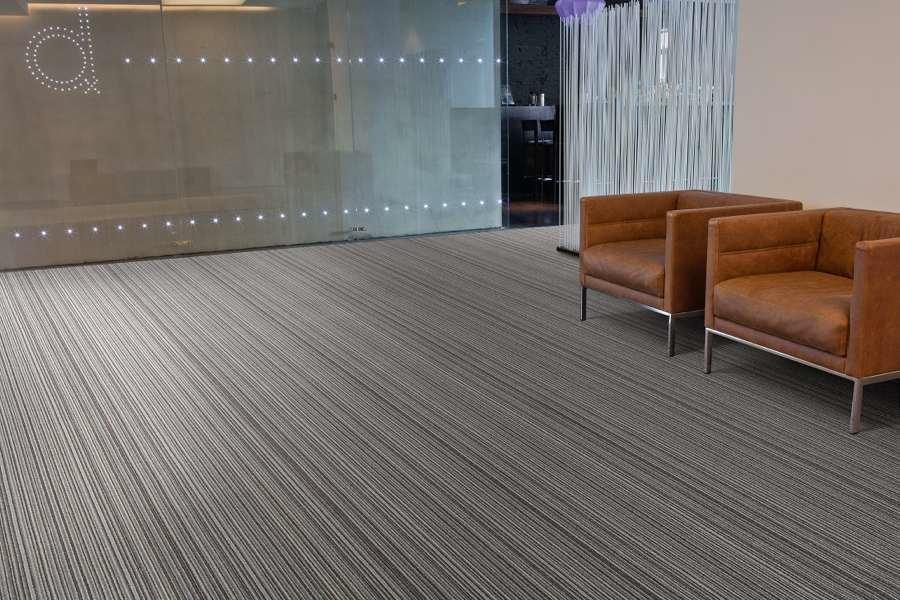Amenagement des sols et planchers de bureaux professionnels for Moquette pour bureau