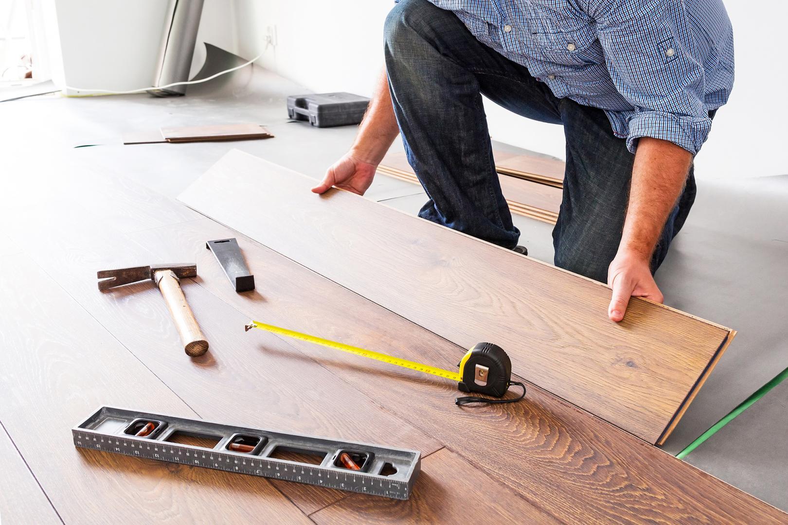 pose de revêtement de sols et planchers sur mesure